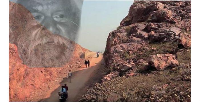 혼자서 산을 깎아 길을 만든 남자