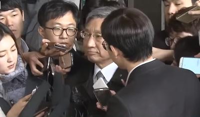 '장충기 문자' 여론 VS 언론..묻히나 안묻히나