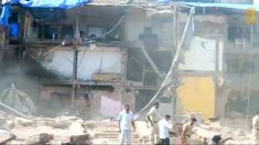 [영상] 인도 뭄바이에서 건물 붕괴.. 3 명 구조, 40여 명 고립