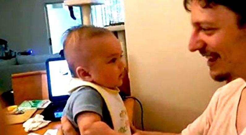 생후 3개월 아기, 갑자기 아빠에게 말해(영상)