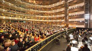 션윈 토론토 8회 공연 모두 만석, 주류 관객들 완벽한 예술 향연에 극찬