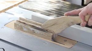 (영상) 혼을 쏟아 만드는 장인의 아이폰 폰 케이스