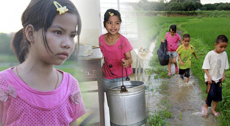 어린 두 동생을 키우는 '우등생' 10살 소녀