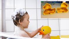 아이들이 목욕할 때 좋아하는 장난감 오리, 알고보니 위험천만