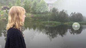 (영상) 호수에 아름다운 노랫소리가 울려 퍼지자 어디선가 나타난 '이것'