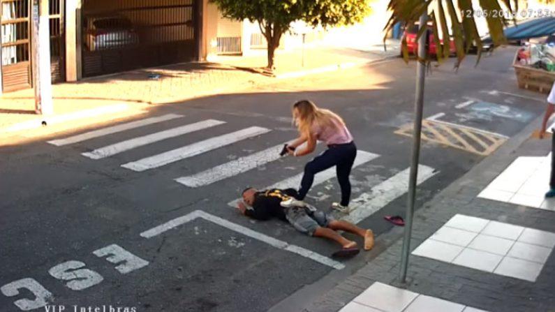 학교 앞에서 강도짓 하다 '경찰 엄마' 만난 강도(영상)