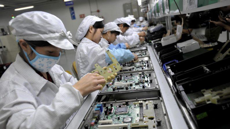 '빅 브라더' 중국, AI 뇌파 장치로 노동자들 감시