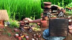 """(영상) 숲속 요정 마을의 치킨 카레 만들기, 하지만 조금 """"작을지도"""" 몰라요"""