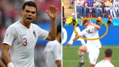 """타임지 """"페페가 전 세계 팬 분노케 했다""""…월드컵 VAR 판독 논란 점화"""