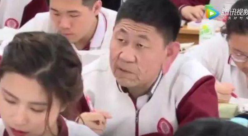 """""""18살 맞거든요!""""…80세 얼굴을 가진 고등학생 화제"""
