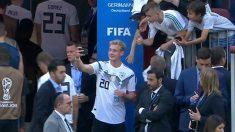 독일 선수, 멕시코전 패한 뒤 '셀카' 찍었다 뭇매