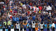 경기 후 쓰레기 정리한 일본 팬들에 극찬 이어져