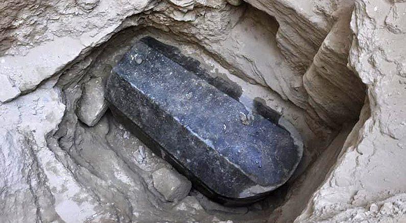 2천여 년 전 대형 석관의 주인은 누구..이집트 개봉 준비
