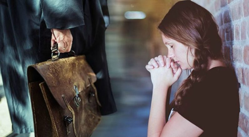 아버지 애지중지하던 가방에 용돈 넣어드리려다가 놀란 딸 (영상)
