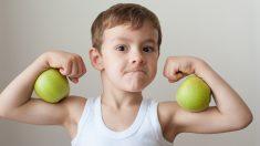 """""""사과를 껍질채 먹으면 근육 커진다"""""""