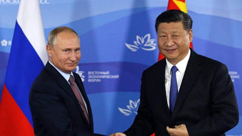 트럼프 보고 있나…시진핑·푸틴 러시아서 밀월 과시