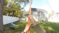 미국 아빠들의 로망, 정원있는 주택에 '윙윙' 외줄그네 설치하기