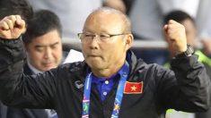 베트남 '8강 진출' 기염…박항서 '파파 리더쉽'에 선수들은 뭉클