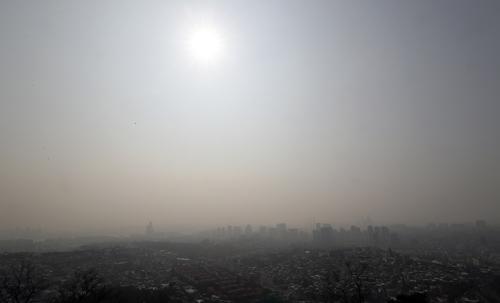 서울 초미세먼지, 농도도 심각…관측 두 번째로 세자릿수 수치