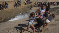 필사적으로 최루탄 피하는 모녀…전 세계인 울린 한국인 기자의 사진