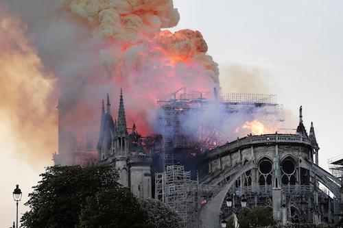 화염 1시간만에 지붕 무너져…파리 노트르담 대성당 대화재