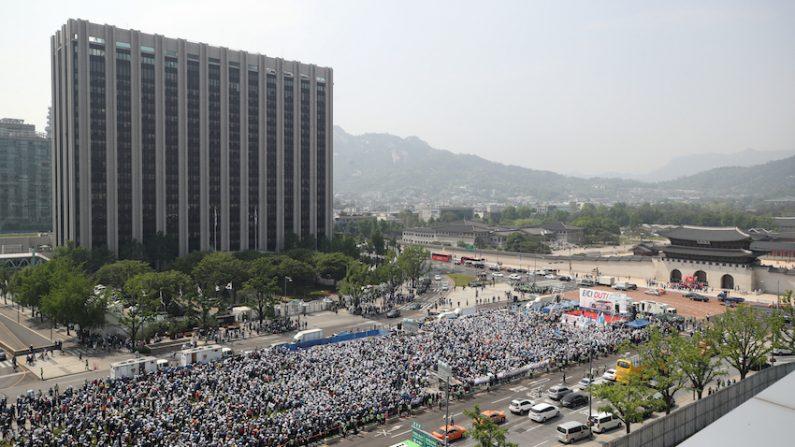 """""""'타다' OUT"""" 이 시각 택시기사들 운집한 광화문 광장 상황 (사진)"""