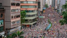 100만 시위대 모인 홍콩, 억눌러온 '반중국 민심' 폭발