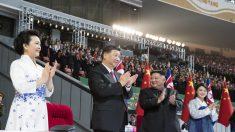 김정은, 시진핑 맞춤형 집단체조 '불패의 사회주의' 선보여