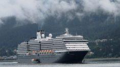 신종코로나 공포에 갈 곳 잃은 쿠르즈 여객선, 5개국 입항 거부에 '갈팡질팡'